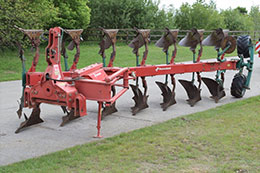 KVERNELAND LO85-300 7 furrow (6+1) on-land plough