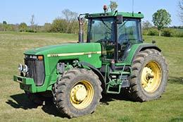 JOHN DEERE 8200 4wd tractor