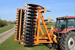 BROCK Sub-V 520F 5.2m 9 leg hydraulic folding mounted subsoiler