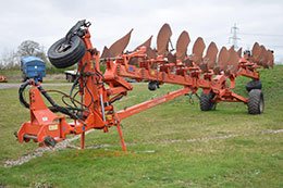 KUHN Challenger 9 furrow (6+3) on-land/in-furrow wagon plough
